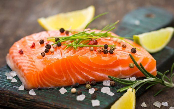 4. Ăn các loại thịt, cá thích hợp 1